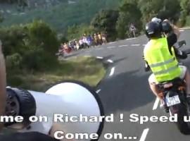 Lachen met wielrenners voor in het weekend