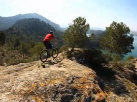 De mountainbike kan weer in het vet