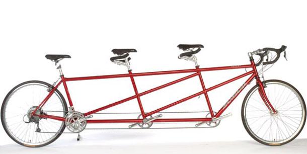 met de familie wielrennen op een tandem van santana. Black Bedroom Furniture Sets. Home Design Ideas