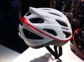 Fietshelm van AGU met ingebouwde fietsverlichting