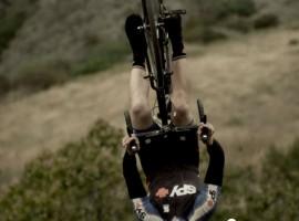 Zohooo, die is goed met racefietsen…