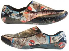 Speciale schoenen voor Bradley Wiggins en David Millar door kunstenaar James Straffon