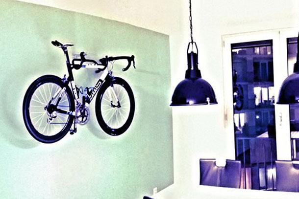 Aan De Muur : Je bmc racefiets als kunst aan de muuru u racefiets