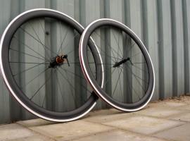 Racefietsblog test: Farsports 50mm carbon clinchers met alu remrand