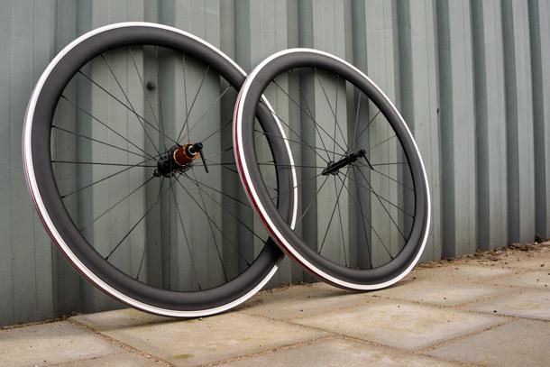 racefiets carbon of aluminium
