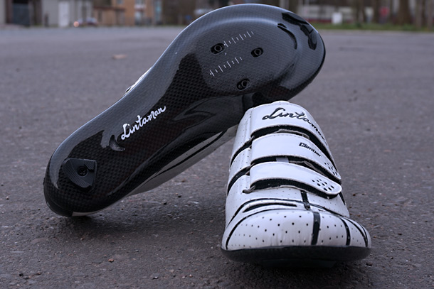 Lintaman Climber cycling shoes. With a full carbon light and stiff sole  |  Racefietsblog.nl