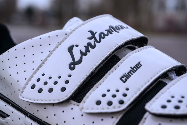 Lintaman Climber cycling shoes. They used just velcro to keep the shoe as light as possible | Racefietsblog.nl