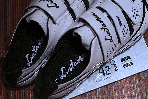 Lintaman Climber cycling shoes. Extremely light with just 213 grams for a size 44 shoe! | Racefietsblog.nl