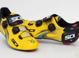 Froome's special Sidi's in het geel