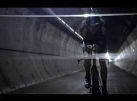 Froome fietst van Engeland naar Frankrijk