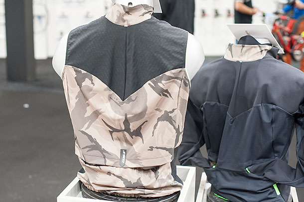 Q36.5 Vest L1 Essential at Bikemotion 2014 | Racefietsblog.nl