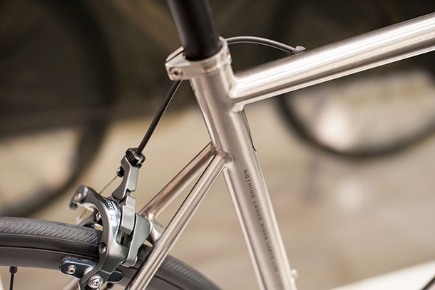 Van Nicholas Zephyr titanium, rear end at Bikemotion 2014  |  Racefietsblog.nl
