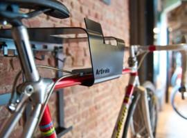 Al je fietsspullen aan de muur met de Artivelo BikeDock