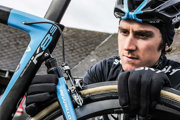 Pinarello K8-S. Team Sky brand new weapon against the cobbles | Racefietsblog.nl