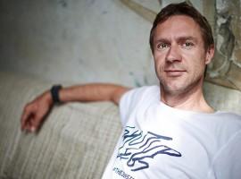 Jens gaat T-shirts verkopen
