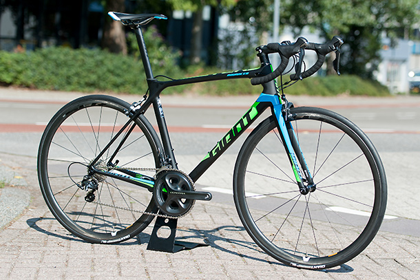 Giant TCR Advanced Pro 1 2016  |  See the full review at Racefietsblog.nl