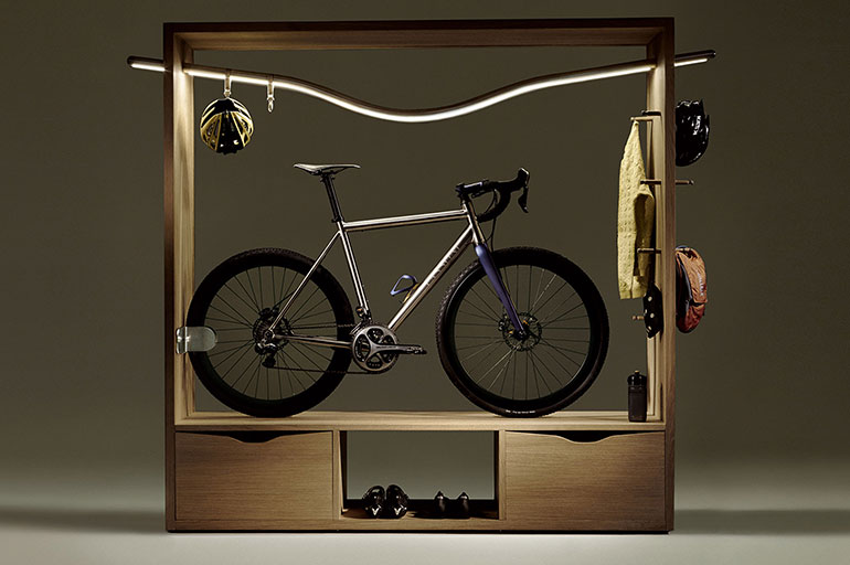 prijzige kast voor je racefiets van vadolibero. Black Bedroom Furniture Sets. Home Design Ideas