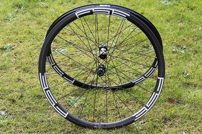 FSE-carbon-disc-clinchers-01