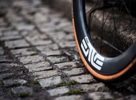 """""""4×4"""" Enve wielen voor Dimension Data tijdens Parijs Roubaix"""