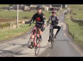 Hoe fiets je met je racefiets op je achterwiel?