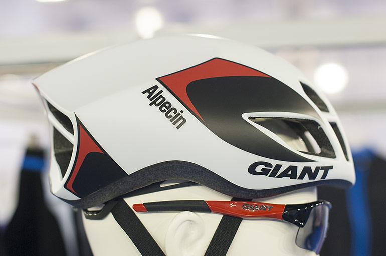 Giant-Pursuit-01