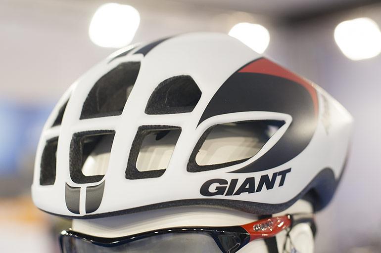 Giant-Pursuit-03