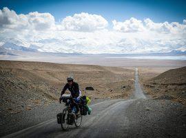 Buiten adem: De Pamir Highway op de fiets.