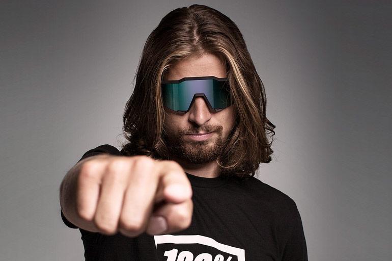 48b88a75e19c3e Het begon allemaal in de jaren tachtig voor 100%. Het merk is helemaal  verweven met motorcross en maakt daar nog steeds brillen voor.
