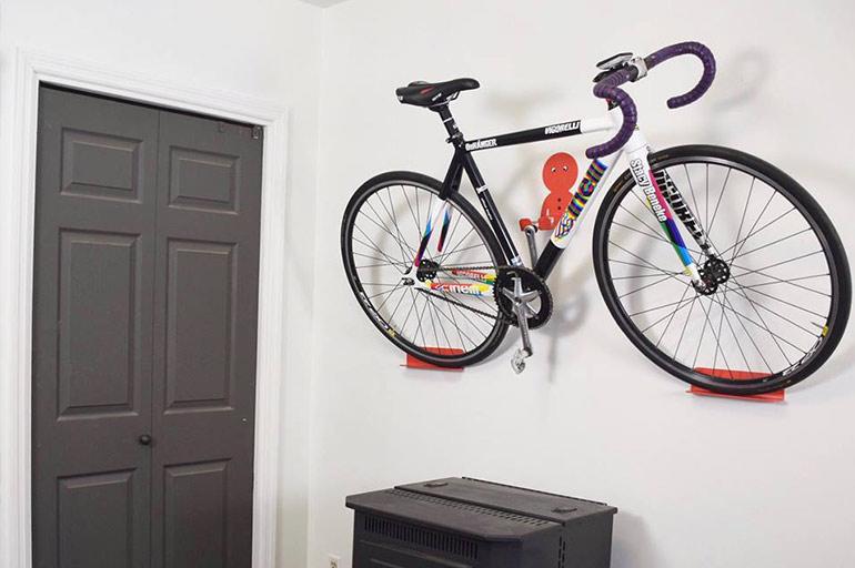 Pirelli P Zero >> Handig je racefiets aan de muur hangen met DaHÄNGER DAN ...