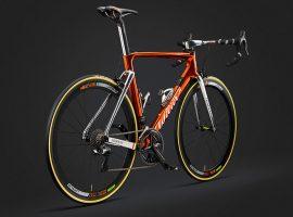 Speciale koperkleurige Wilier Cento10Air Ramato voor Pozzato tijdens Giro