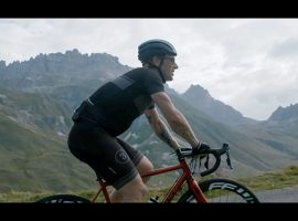 Haute Route met een Bombtrack – video