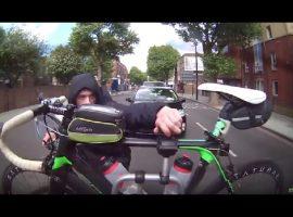 Zo wordt bijna je racefiets van je fietsendrager gestolen – video