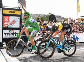 Groenewegen netjes tweede in 11e etappe van Tour de France – video