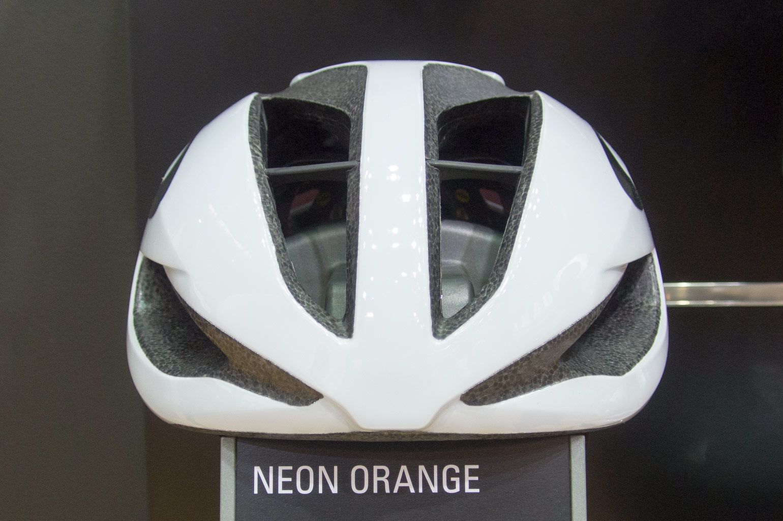 Oakley Jawbreaker Prizm >> Geen nieuwe brillen, wel helmen en kleding van Oakley op ...