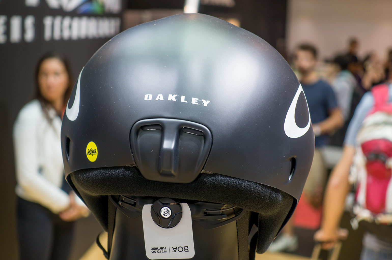 Oakley Jawbreaker Prizm >> Geen nieuwe brillen, wel helmen en kleding van Oakley op Eurobike 2017 – Racefietsblog.nl