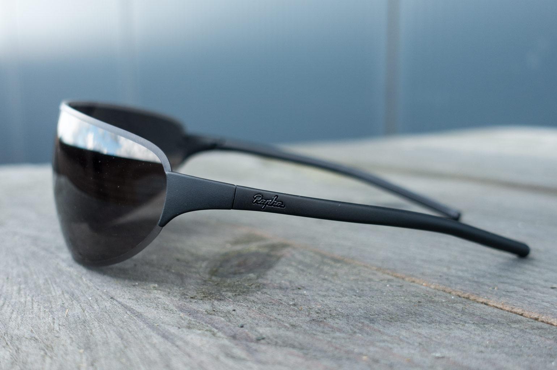 9eaca01c485 Eerste indruk  Rapha Pro Team Flyweight carbon zonnebril ...