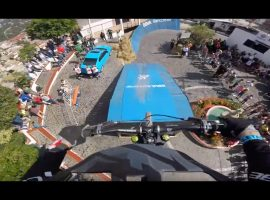 Urban Downhill Taxco is niet voor watjes – video