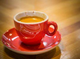 Je koffie smaakt net iets beter met de Chris King kop en schotel