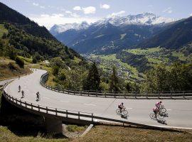 Fietsen in Zwitserland: ga je voor de nieuwe Granfondo Marmotte of de Ultrafondo?