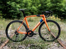 Eddy Merckx laat eindelijk nieuwe huisstijl zien met eerste twee modellen