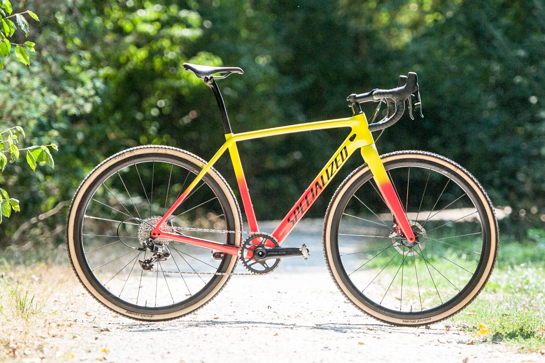 eb196ab8818 Niet alleen nieuw onder de Crux Expert, maar ook nieuw in het assortiment  van Specialized, zijn de Roval C38 full carbon clincher wielen.