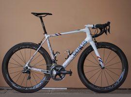 Custom Genesis fiets voor Brits kampioen Swift