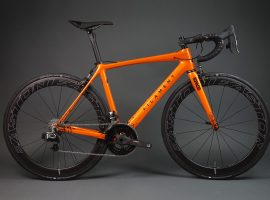 Custom carbon uit Engeland – Filament bikes