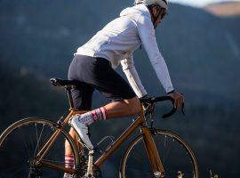 Solenne is een hoody voor op de fiets door Café du Cycliste