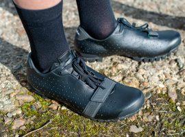 Eerste indruk: nieuwe Rapha Explore schoenen + Rapha Classic schoenen