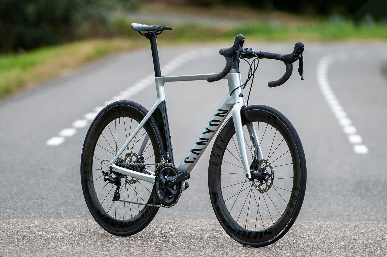 Canyon Aeroad CF 7.0 Disc
