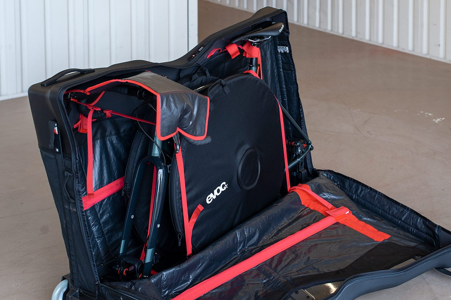 https://www.evocsports.com/products/bags/new-road-bike-bag-pro