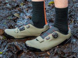 Review: met de nieuwe Giant Charge Elite offroad schoenen de blubber in