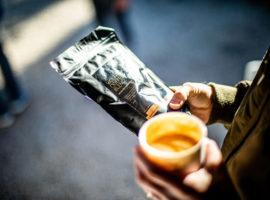 Koffie drinken met Wolfpack Coffee