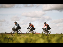 Laurens ten Dam rijdt een ander soort Ronde van Vlaanderen – video